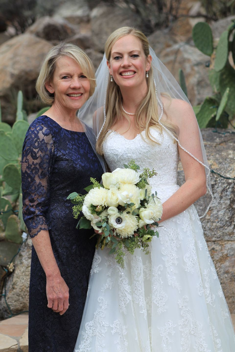 bride-and-mum